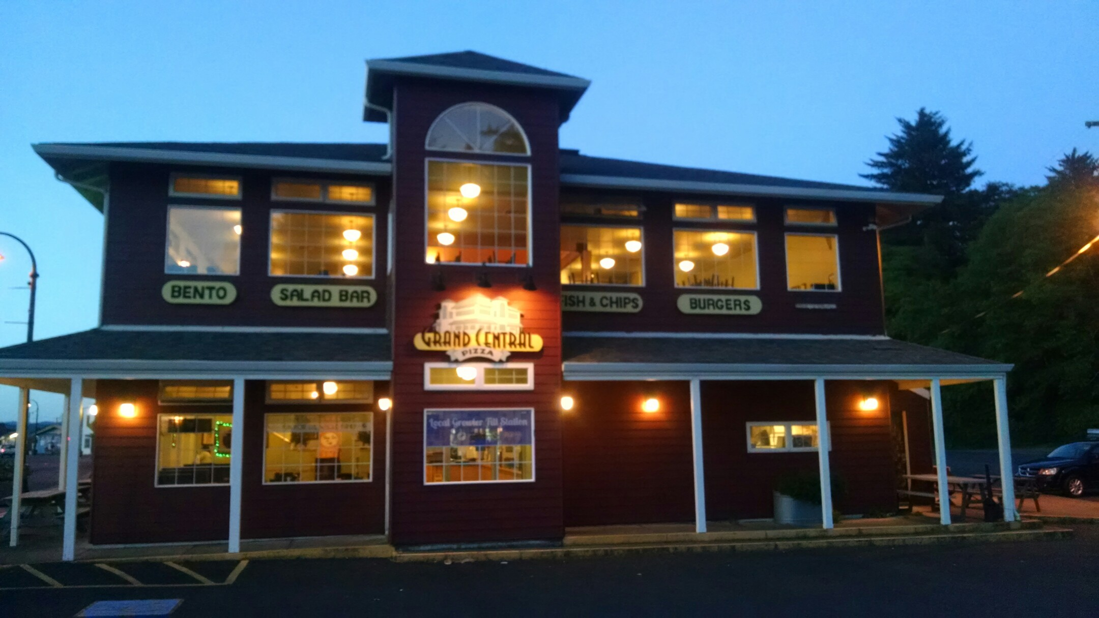Grand Central Pizza, Waldport OR