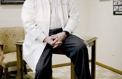 Dr. Ross Hensley, MD - Lawton, OK