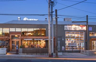 evo - Seattle, WA. evo Seattle Store - Front Entrance