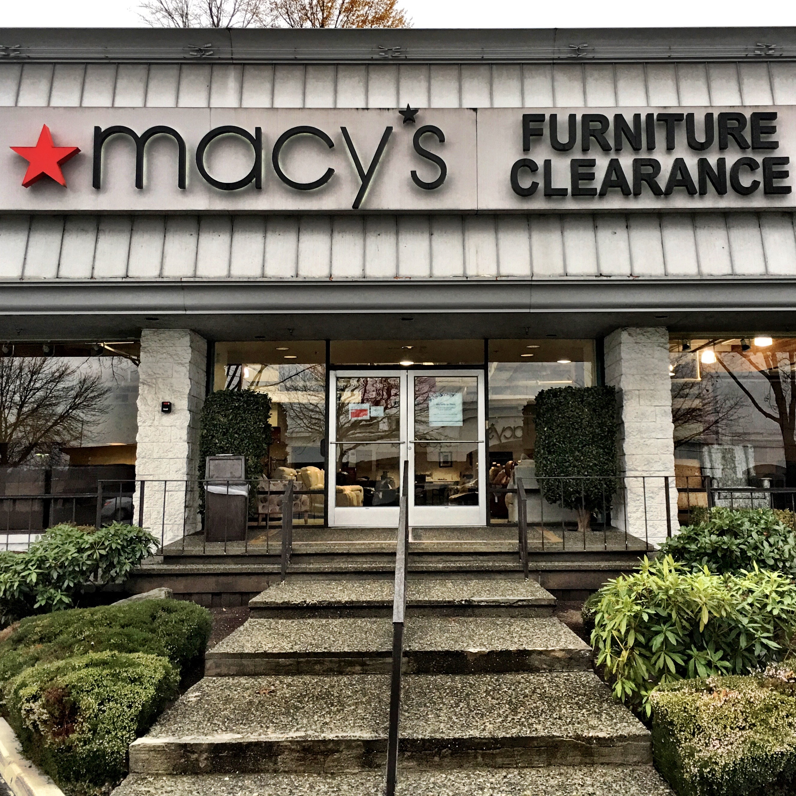 Macy's Furniture Clearance Center 17855 Southcenter Pkwy
