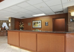 Country Inns & Suites - Traverse City, MI