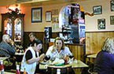 Liuzza's Restaurant & Bar - New Orleans, LA