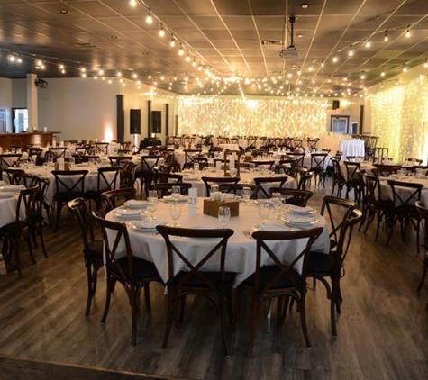 Red Rock Bar & Grille - Morton, IL