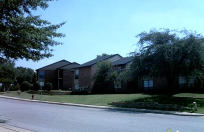 Whispering Oaks Apartments 1598 Weyland Dr Ofc 100, North ...