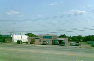 Nellie & Sue's Flea Market - Forest Hill, TX