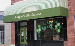 Kelly's On The Square