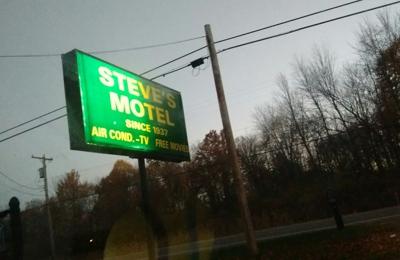 Steve's Motel - Akron, OH
