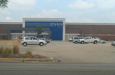 Studio Movie Grill - Wheaton, IL