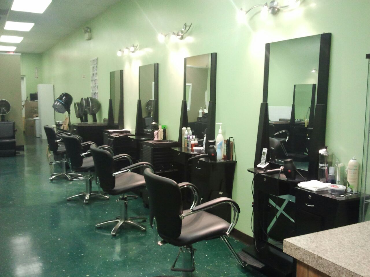 marias-dominican-unisex-beauty-salon
