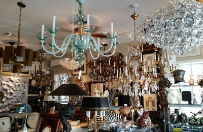 SHADES OF THE PAST ANTIQUES - Fort Lauderdale, FL