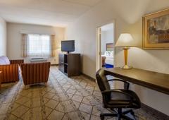 Best Western Plus Newport News Inn & Suites - Newport News, VA