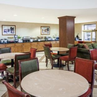 Baymont Inn & Suites - Elkhart, IN