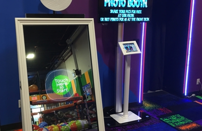 Max Adventures - Brooklyn, NY. Mirror Photo Booth. Kids birthday party place