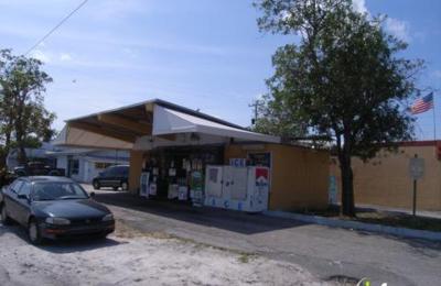 Naumis Discount Beverages - Hollywood, FL