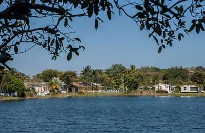 Lauder Lakes Manufactured Home Community - Fort Lauderdale, FL