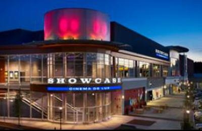 Showcase National Amusements De Lux Legacy Place - Dedham, MA