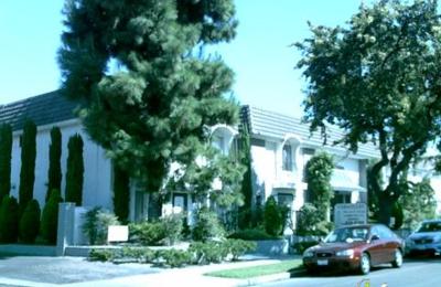 Versailles Apartments - Garden Grove, CA