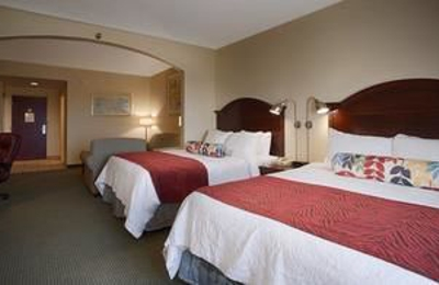 Best Western Plus Lake County Inn & Suites - Tavares, FL