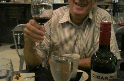 Albany Bistro - Decatur, AL. Fine wine, fine dining.