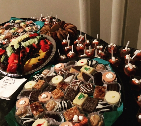 Corporate Source Catering & Events - Horsham, PA. Deserts galore! Corporate Source Catering little fancies.