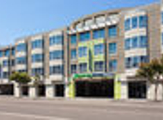 Holiday Inn Express & Suites San Francisco Fishermans Wharf - San Francisco, CA