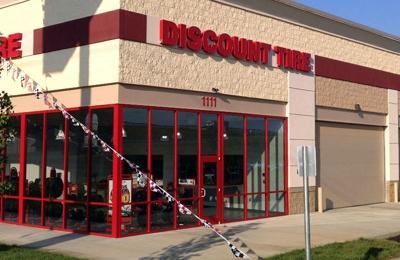 Discount Tire - Clarksville, TN