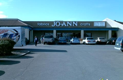 Jo-Ann Fabric and Craft Stores - Topeka, KS