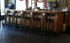 Islander Pub Business