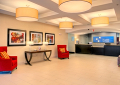 Holiday Inn Express & Suites Granbury - Granbury, TX
