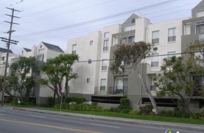 Palms Court Apartments - Los Angeles, CA
