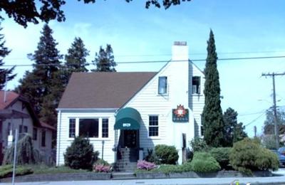 Maple Leaf Grill - Seattle, WA