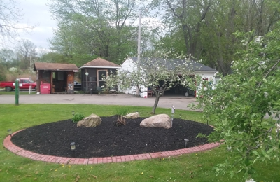 Delongs Topsoil & Mulches - Mentor, OH