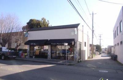 Crimpers Bizarre Salon - South San Francisco, CA