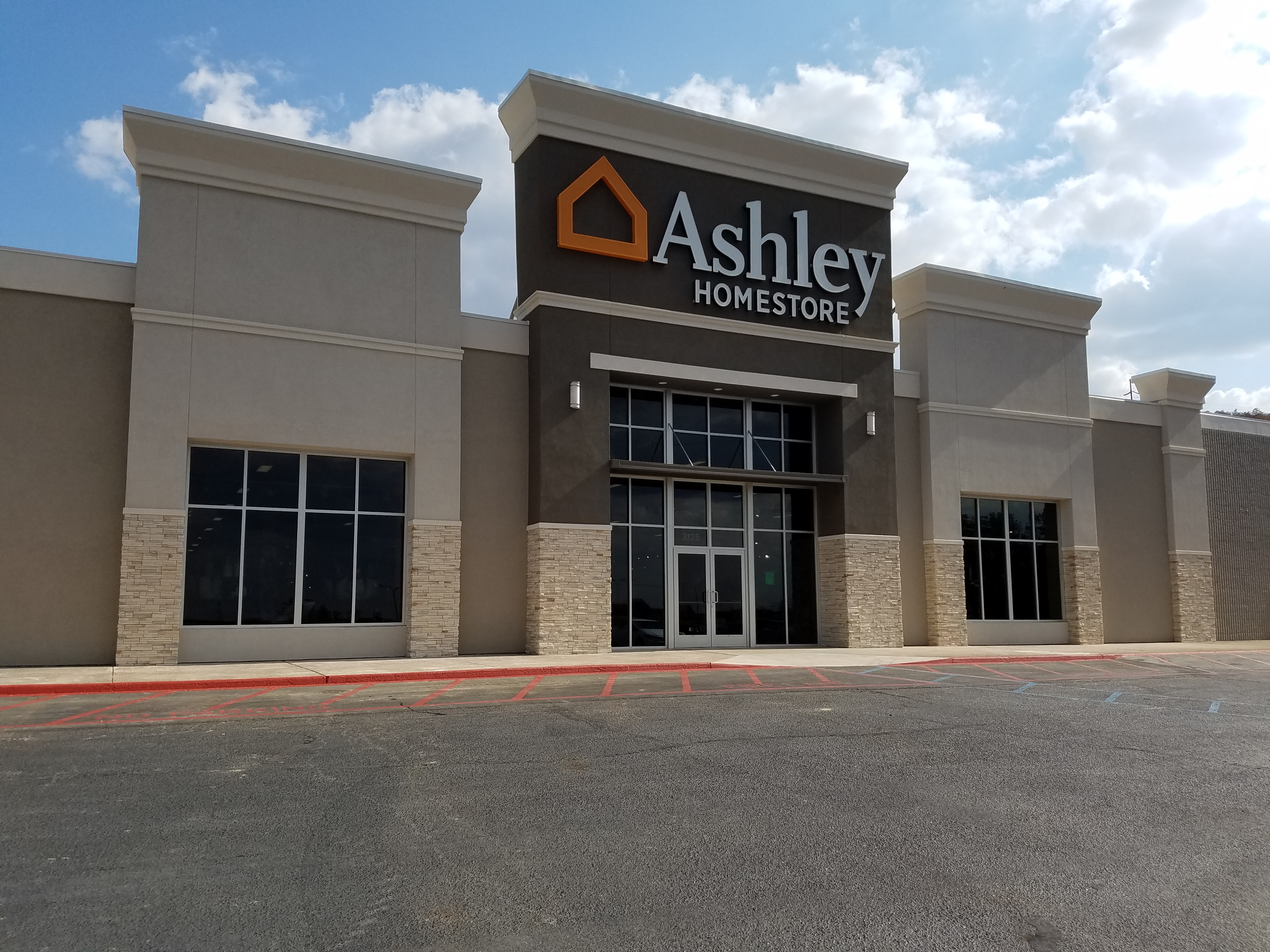. Ashley HomeStore Anniston  AL 36201   YP com