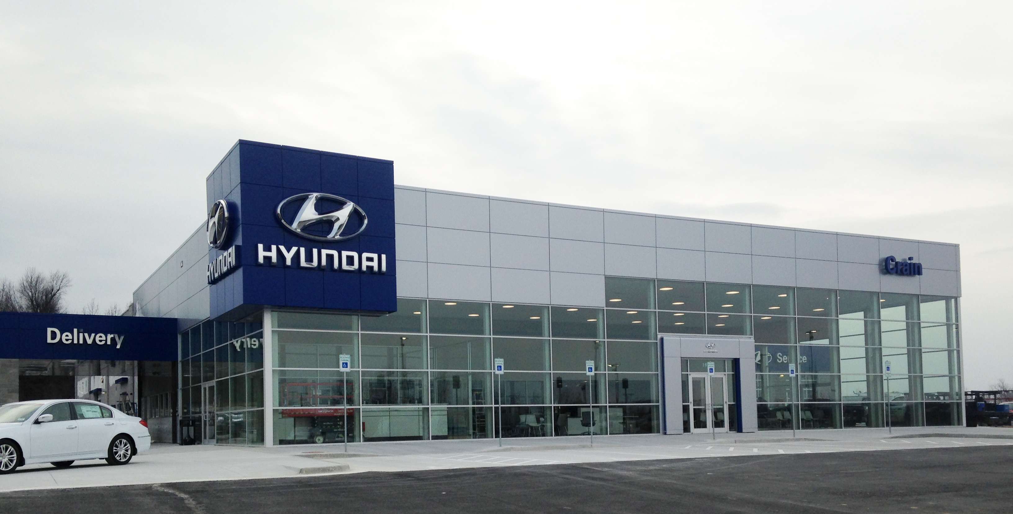 fl review car hyundai milwaukee dealership me metro dealers near boucher tucson brooksville sales wi