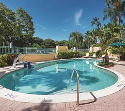 La Quinta - Plantation, FL
