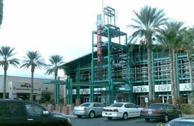 Regal Cinemas Village Square 18 - Las Vegas, NV