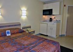 Motel 6 - Gilroy, CA