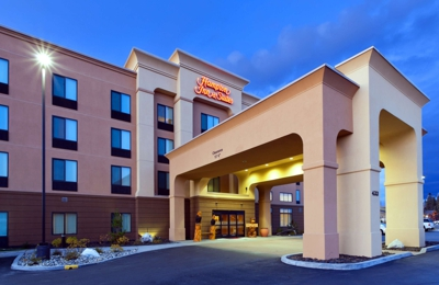 Hampton Inn & Suites Fairbanks - Fairbanks, AK