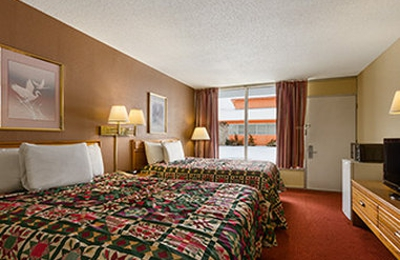 Days Inn - White House, TN