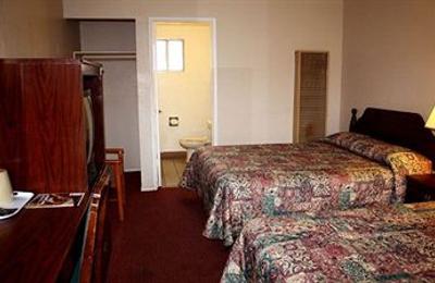 Sunset Inn & Suites - West Sacramento, CA