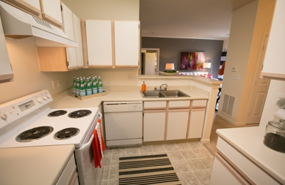 Center Point Apartment Homes - Indianapolis, IN