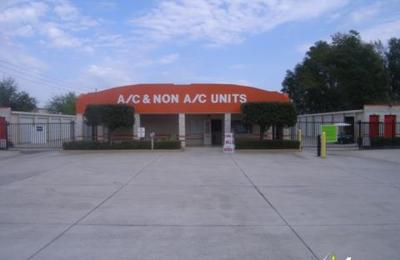 U-Haul Neighborhood Dealer - Apopka, FL
