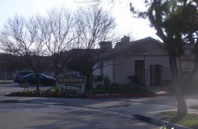 Parkwood Apartments 4918 N 9th St Fresno Ca 93726 Yp Com