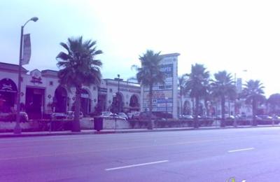 Laemmle's Town Center - Encino, CA