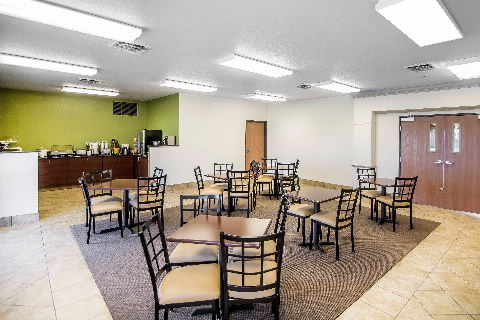Rodeway Inn & Suites, Parsons KS