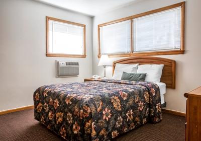 Econo Lodge 227 W Main St, Malone, NY 12953 - YP com