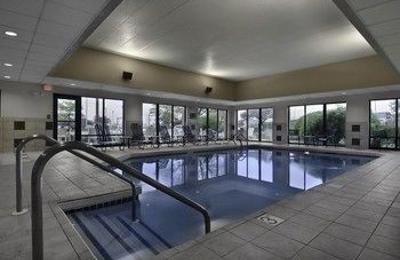 Hampton Inn - Brookfield, WI
