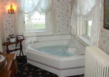River Rose Inn Bed and Breakfast, Elizabethtown IL