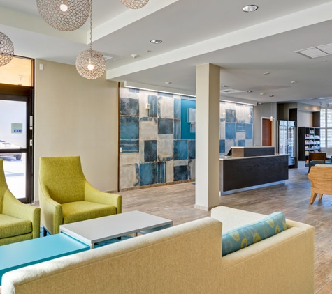 Holiday Inn Express Redwood City-Central - Redwood City, CA